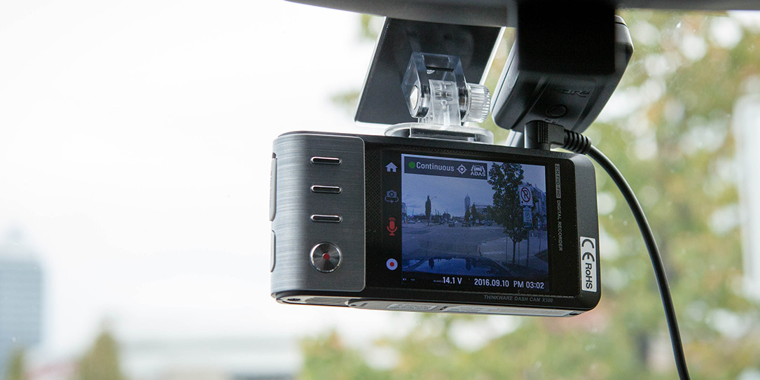 Thinkware X500 Dashcam Mounted